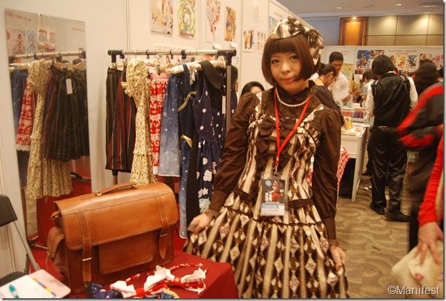 gothic lolita cosplayer 1